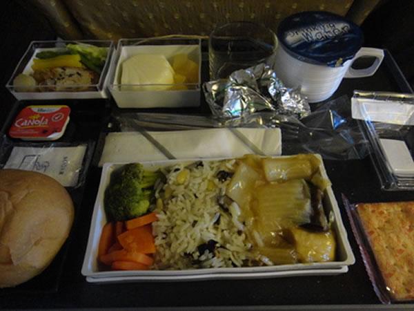 2013年4月 シンガポール航空 SQ634 機内食