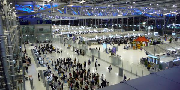 バンコク スワンナプーム空港 出発ターミナル