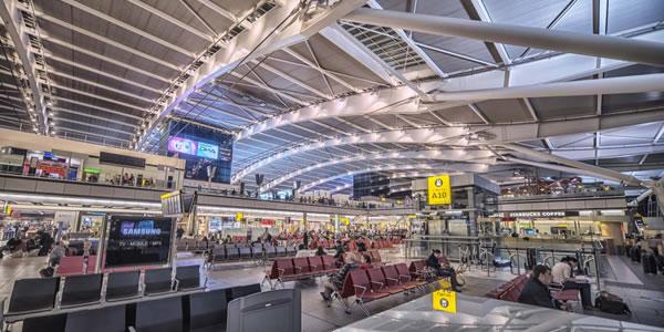 ロンドン ヒースロー空港 ターミナル