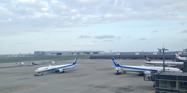 羽田空港 ANA機